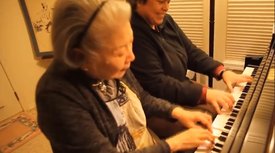 一位84岁老人的钢琴人生
