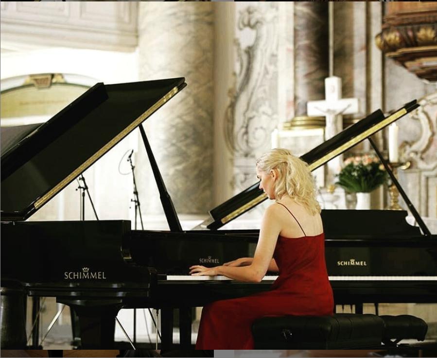 舒密尔名人汇| 德国著名女钢琴家——吉萨•卢卡(Gesa Lücke)